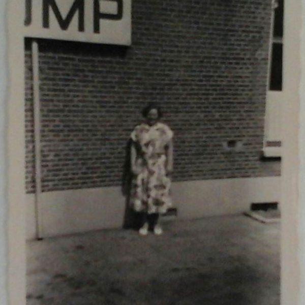 Mevrouw Willemsen thv garage Stuiver nr 45